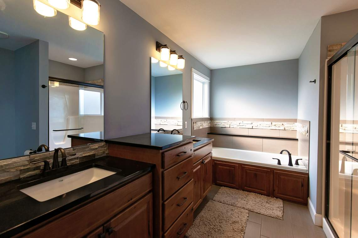 West-Lawrence-Home-for-Sale-29